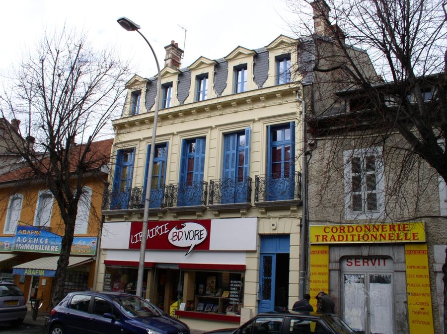 Renovation facade cote rue